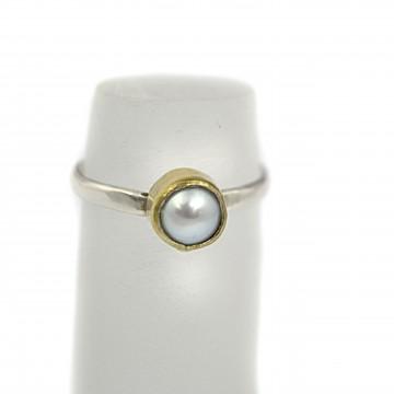 Pierścionek z perłą
